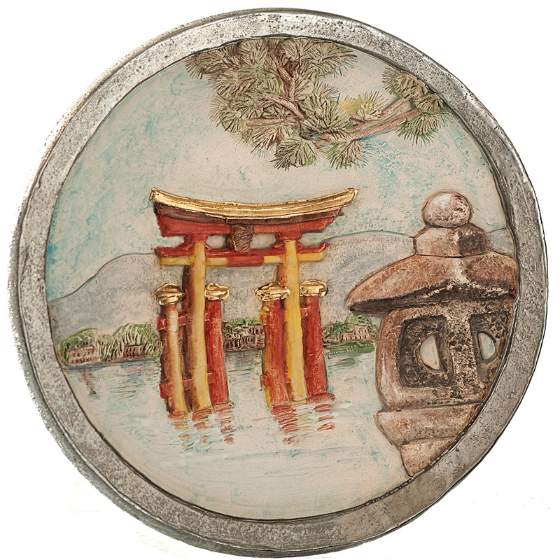 Plate with japanese motive